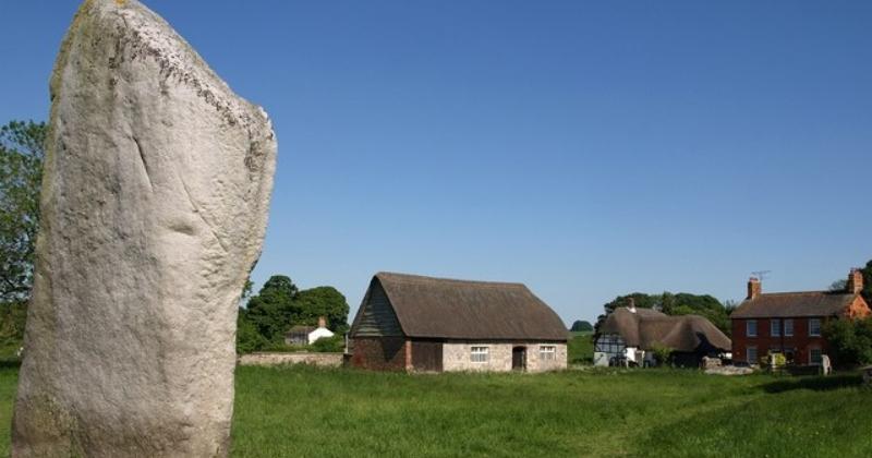 Should You Visit Stonehenge or Avebury? | Rabbie's Travelfeels
