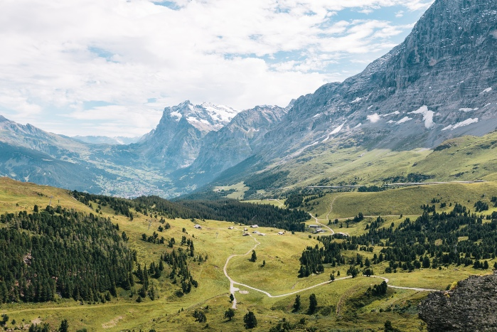 Small group tours through the stunning landscapes of Switzerland