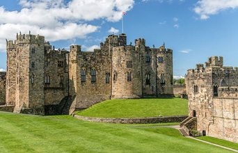 Alnwick Castle, the Northumberland Coast & the Borders - 1 day tour